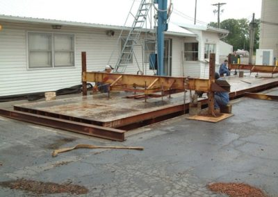 75.101_lifting_weighbridge_from_pit